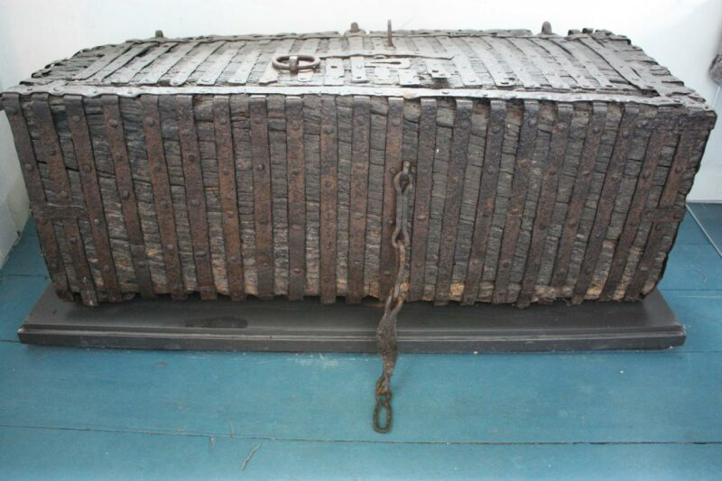 een middeleeuwse kist topstuk muiderslot