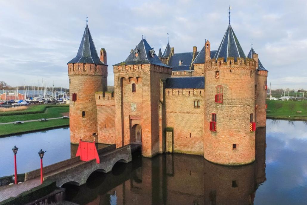 Voorkant kasteel muiderslot