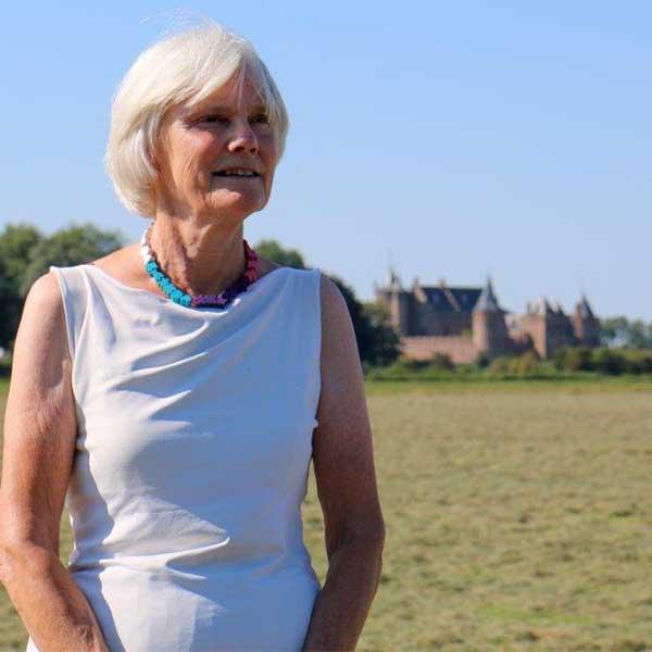 Helen Schretlen